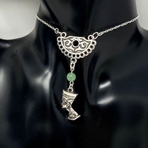 NWOT silver plated Queen Nefertiti necklace w/jade